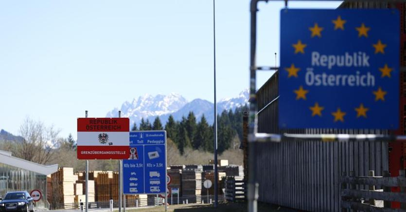 L'Austria invia i militari al Brennero, ira dell'Italia: